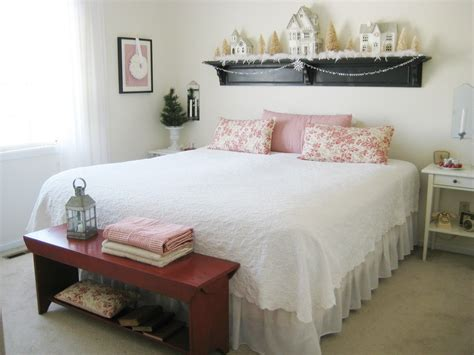 Bedroom Decorating Ideas Arty To by How To Decorate Small Room With Bed And Also