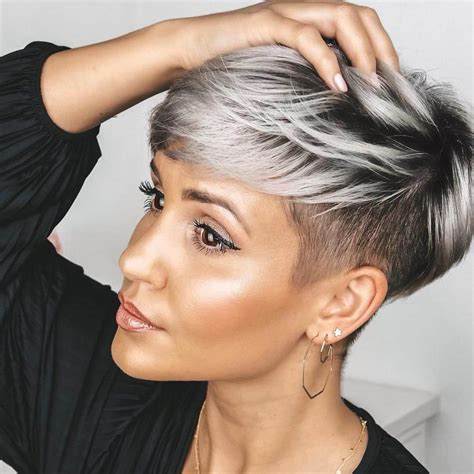 'short hair is continuing its roll with bobs being more square shaped and jagged (meaning the base is cut into and not wispy so it still looks sharp),' says celeb hairstylist paul edmonds. Short Haircuts 2020 Pixie Cut - 25+ » Short Haircuts Models