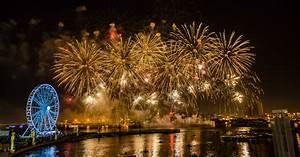 Dubai Festival City : don 39 t miss the uae national day fireworks in dubai ~ A.2002-acura-tl-radio.info Haus und Dekorationen