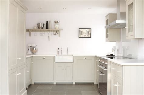 country shaker kitchens the silverdale shaker kitchen by devol country kitchen 2960