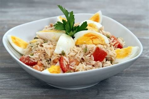 comment cuisiner du thon frais recette de salade de riz au thon à notre façon facile et
