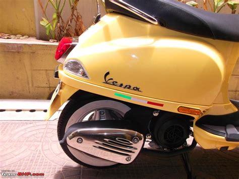 vespa lx  yellow wasp italian art  motion