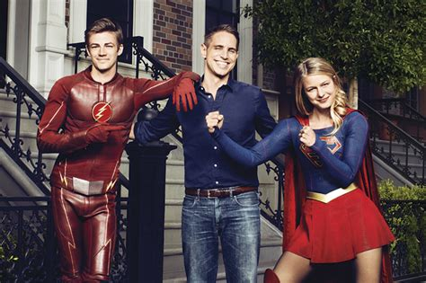 The Flash And Supergirl Are Crossing Over Again, And You
