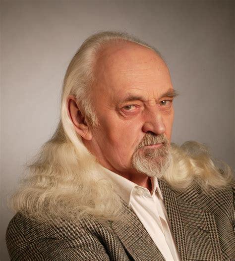 Mūžībā aizgājis Leļļu teātra aktieris Jānis Ķekars ...