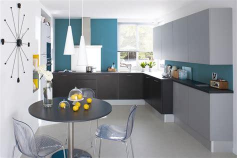 deco cuisine bleu une déferlante de bleu dans la déco maison créative