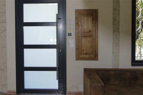 bureaux sur mesure portes et fenêtres menuiseries aluminium et pvc sommières