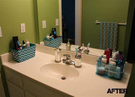 organizing  teenage girls bathroom