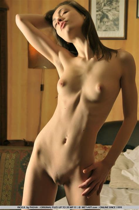 Hot Skinny Girl Nude With Flat Tummy From Skinnygirlnude Com
