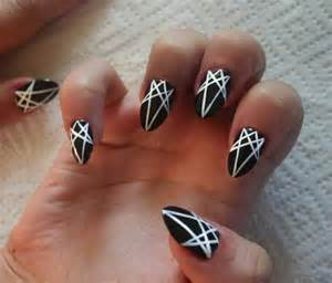 Amazing black and white nail designs
