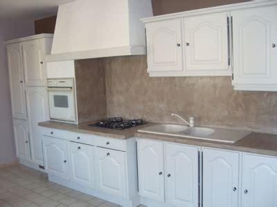 merveilleux cuisine blanche mur taupe 6 renovation de cuisine votre ancienne cuisine kirafes