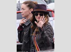 Julia Roberts holds hands with costar Julianne Nicholson