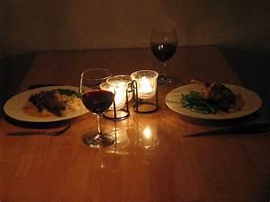 Candle Light Dinner Zuhause : what 39 s up flexcia 15 creative stay at home date night ideas ~ Bigdaddyawards.com Haus und Dekorationen