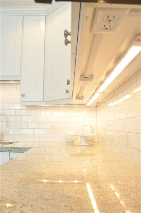 Under Cabinet Power Outlets Design Ideas