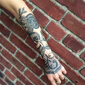 Tatouage Avant Bras Femme Fleur : 1001 id es de tatouage dentelle impressionnant ~ Farleysfitness.com Idées de Décoration