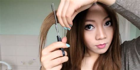 8 Youtube Tutorials That Make Diy Haircuts Look Super Easy Plum Red Hair Dye Bun Filler Long Bob Hairstyles Brunette Simple Quiff Hairstyle For Wedding Event Very Round Faces And Thick With Zipper Aline Haircut Blonde