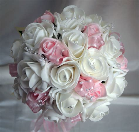 wedding flowers brides posy bouquet white baby pink