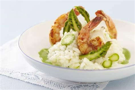 cours de cuisine gastronomique lyon recette de risotto aux asperges vertes et gambas coulis