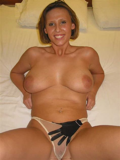 Soccer Mom Nude Showing Off Her Nice Tits