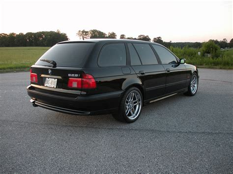 touring wagon sport package black