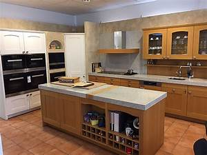 Granit Arbeitsplatte Küche Preis : miele k chen musterk che miele k che inkl granit arbeitsplatte und miele dunstabzug ~ Markanthonyermac.com Haus und Dekorationen