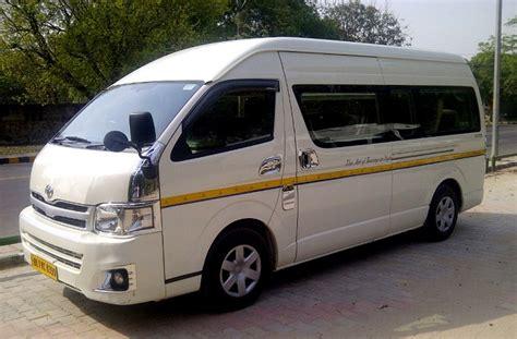9 Seater Toyota Commuter Van  Luxury Van Rent In Delhi