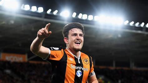 Harry Maguire dismisses contract talk as Hull battle to ...