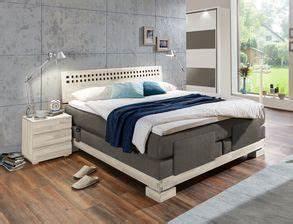 Komplett Schlafzimmer Mit Boxspringbett : schlafzimmer komplett einrichten und gestalten bei ~ Indierocktalk.com Haus und Dekorationen