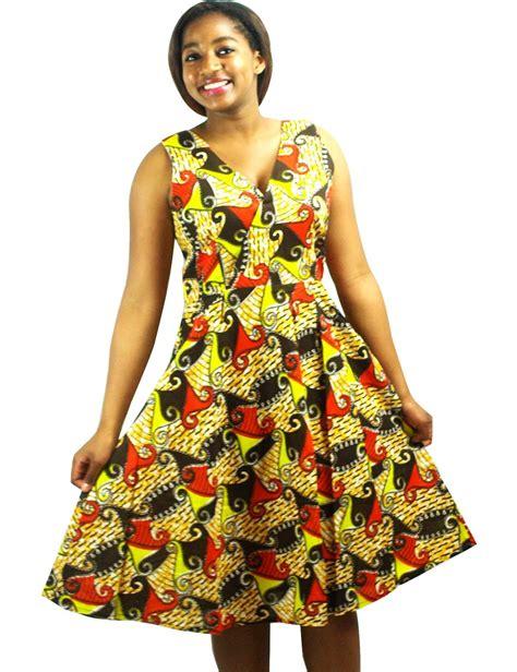 modele robe africaine moderne robe en tissu pagne africain fleurie robe par kabangondo