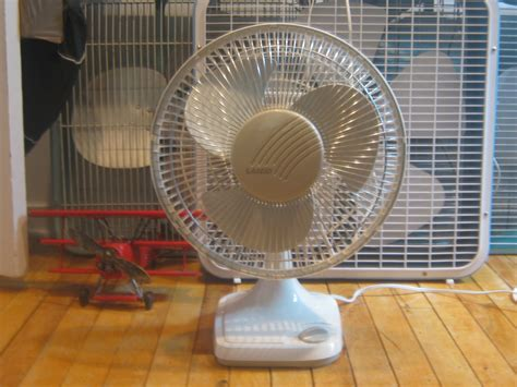 Lasko Table Fan 2018 by 1990 S Lasko 12 Quot Table Fan
