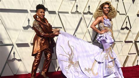 Billy Porter Kicks Off Oscars Carpet Velvet Tuxedo