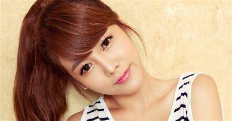 Korean Female Singers: Soyeon