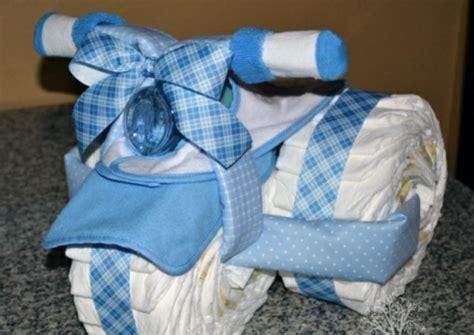 Windeltorte basteln  Suchen Sie nach einem Babygeschenk?