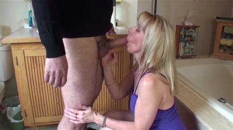 Quickie Bathroom Blowjob Free Blowjob Dvd Hd Porn C5