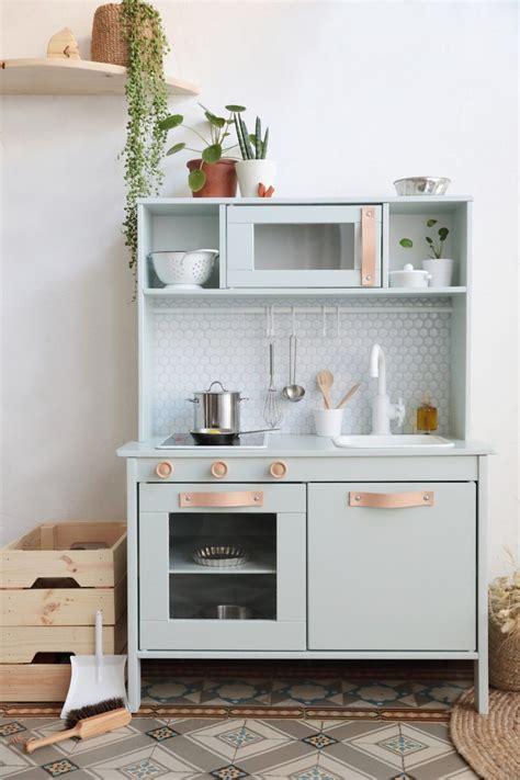 ikea play kitchen accessories ikea comment relooker la cuisine pour enfant duktig 4587