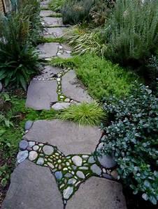 amenagement allee de jardin et chemin de pierre en 95 idees With decoration jardin exterieur maison 18 organisation deco escalier quebec