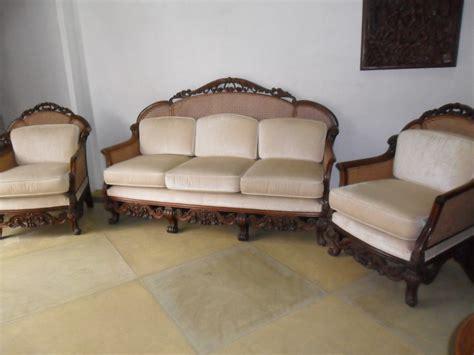 jogo de sofa em madeira nobre  palhinha antigo