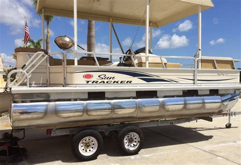 How To Restore Aluminum Pontoons by Aluminum Pontoon Boat Before After