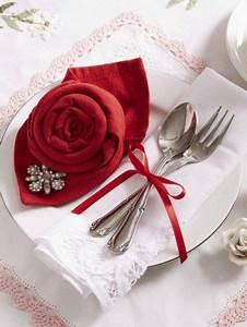 Rose Aus Serviette Drehen : servietten falten rose zum valentinstag berall rosen napkin folding table decorations und ~ Frokenaadalensverden.com Haus und Dekorationen