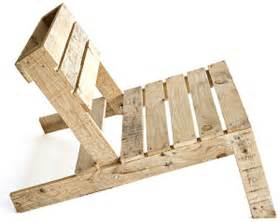 adirondack chair made of pallets 187 curbly diy design decor