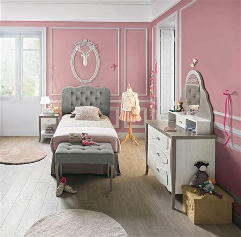 chambre b b grise et blanche chambre fille grise pochoir mural chambre fille b b cases
