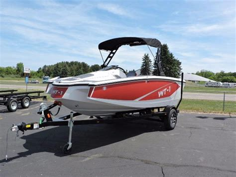 Fishing Boats For Sale Jackson Mi by 2016 New Heyday Wt 1 Ski And Wakeboard Boat For Sale