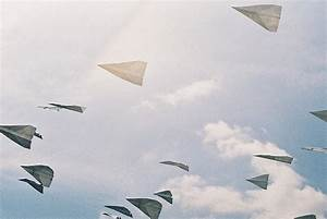 paper airplanes on Tumblr