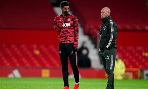 Free kick for manchester united fc in the half of as roma. Manchester United star Marcus Rashford fit to face AS Roma