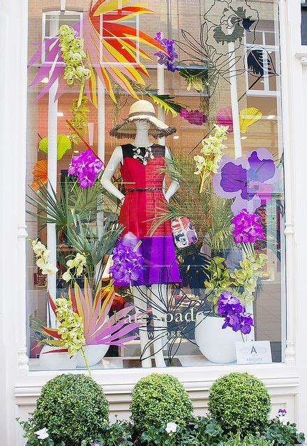 922 best about window display ideas on store window displays window and
