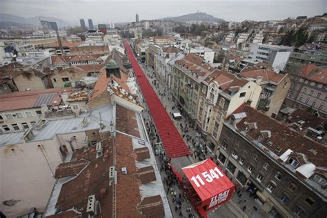 sarajevo siege 39 line of blood 39 11 541 chairs symbolize the victims