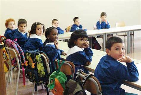 ufficio scolastico regionale udine tra i banchi di scuola il 9 di alunni stranieri