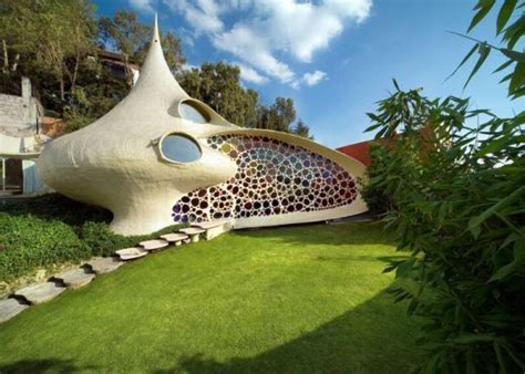 Top 10 Unusual Homes Around The World