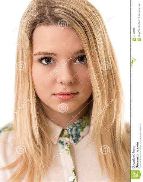 Les do et les don't du maquillage si vous êtes blonde
