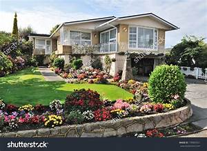 Houses With Beautiful Flowers Garden Pictures Also ...
