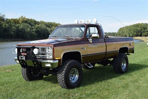 1984 Chevrolet K10 Custom 4x4 Pickup 212386